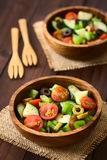 Салат оливки, томата, перца и огурца Стоковое Фото