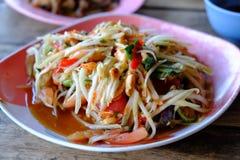 Салат папапайи, еда Somtum тайская Стоковое фото RF