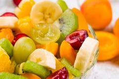 Салат плодоовощей и ягод стоковое фото