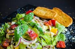 Салат свежего овоща с хлебом Стоковое Изображение