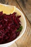 Салат свежих свекл и лимона стоковые изображения rf