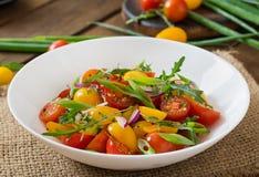Салат свежих томатов вишни Стоковое фото RF