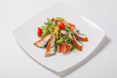 салат с зажаренными рыбами Стоковое Фото