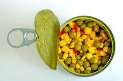 Салат с зелеными горохами, мозолью и красным перцем Стоковые Изображения