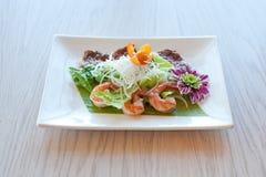 Салат с креветками и мясом Стоковые Фотографии RF