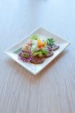 Салат с креветками и мясом Стоковое Фото