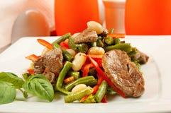 Салат с мясом и овощами Стоковая Фотография