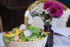 Салат с оливкой, фета и апельсином Стоковое Фото