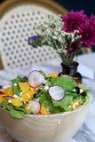 Салат с оливкой, фета и апельсином Стоковые Изображения
