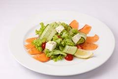 Салат с семгами и овощами Стоковое фото RF