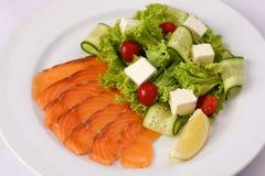 Салат с семгами и овощами Стоковая Фотография