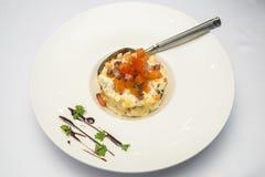 Салат с семгами на плите Стоковая Фотография