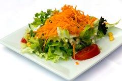 Салат с томатом, салатом и морковью стоковые фотографии rf