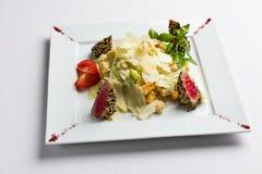 Салат с тунцом в сезаме Стоковая Фотография