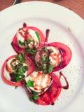 Салат томата & моццареллы Стоковое Фото