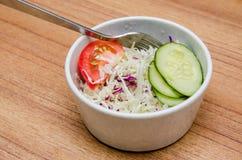 Салат томата, огурца и капусты Стоковая Фотография RF