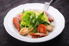 салат цезаря зажженный цыпленком Стоковое Изображение