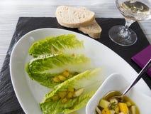 Салат Romaine с vinaigrette мангоа яблока Стоковое Фото