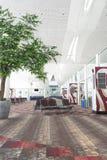 Салон авиапорта ждать Стоковое фото RF