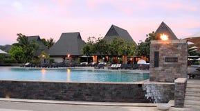 Салон бассейна курорта и зона усаживания Стоковое Фото