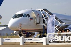 Салон MAKS международный космический superjet sukhoi 100 Стоковые Фото
