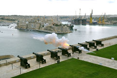 Салютуя батарея в Мальте Стоковые Изображения RF