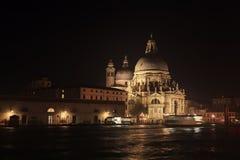 Салют della Santa Maria базилики на ноче Стоковые Фото