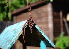 сад outdoors отсутствие солнечного света тени старого голубого цвета металла конца-вверх дня людей деревянного Стоковые Фото