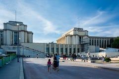 Сад Trocadero с дворцом Chaillot Стоковое Изображение RF