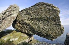 сбалансированный девонский утес известняка Стоковые Фотографии RF