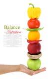 Сбалансированная диета с фруктами и овощами стоковые фотографии rf