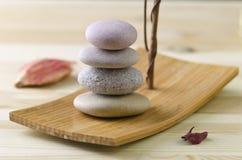 Сбалансированная каменная куча Стоковые Изображения