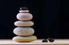 Сбалансированная каменная куча Стоковое Изображение