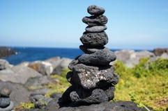 Сбалансированный камень Стоковые Изображения