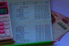 Сберегательный счет, дело на белой предпосылке Стоковые Изображения RF