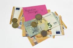 Сбережения каникул бумажные пенни денег евро примечания стоковая фотография
