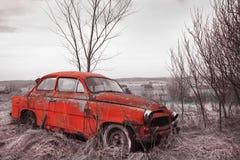 сбор винограда красного цвета автомобиля стоковое изображение rf