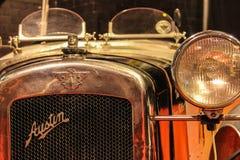 сбор винограда sepia автомобиля автомобиля ретро Талисман Остина bonnet и гриль стоковые фото