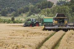 Сбор - жатки и тракторы Стоковое фото RF