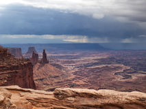 Сбор облаков шторма в пустыне стоковые фото