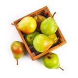 Сбор плодоовощей груши зрелый в деревянной коробке Стоковая Фотография