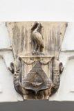 Сброс на фасаде старого здания, цапли, Праги, чехии Стоковое Изображение