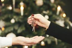 сбывание ренты домов квартир имущества реальное переносить ключа квартиры Стоковая Фотография