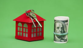 сбывание ренты домов квартир имущества реальное Дом, ключи и деньги Стоковое фото RF