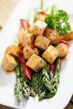 Еда: Сваренная спаржа и marinated Tofu Стоковые Фотографии RF
