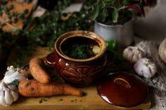 Сваренное блюдо, баки braised мяса и овощи здоровая еда, a стоковые фото