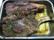 Сваренное суккулентное закалённое carvery говядины стоковое изображение