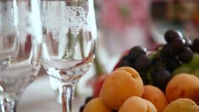 Сваренные еды для гостей на празднике видеоматериал