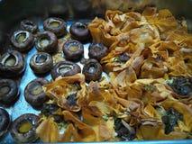 Сваренные tartlets сыра грибов и коз Стоковое фото RF