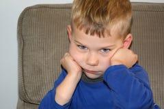 Сварливый мальчик или сварливое 3-ти летнее Стоковые Изображения RF